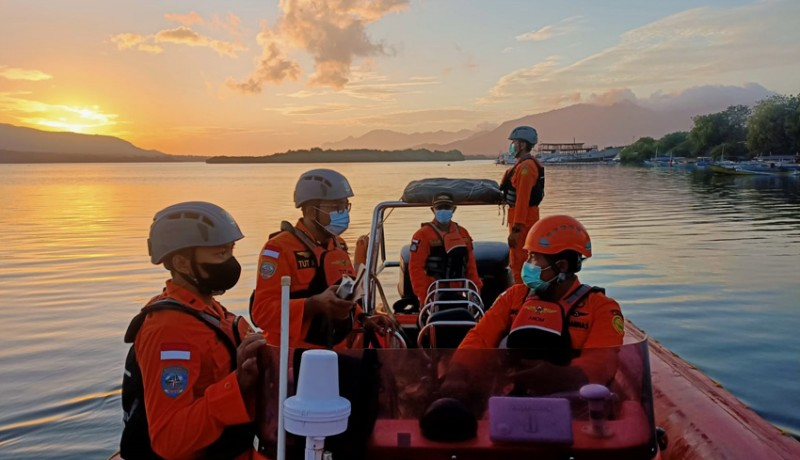 www.nusabali.com-lompat-dari-kapal-remaja-17-tahun-hilang-tenggelam-di-perairan-selat-bali