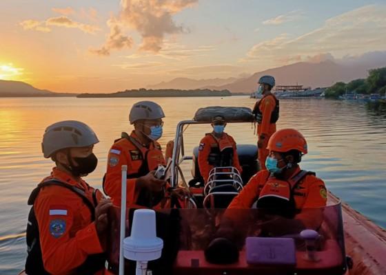 Nusabali.com - lompat-dari-kapal-remaja-17-tahun-hilang-tenggelam-di-perairan-selat-bali