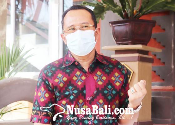 Nusabali.com - pemkab-izinkan-pedagang-berjualan-di-pantai-penimbangan
