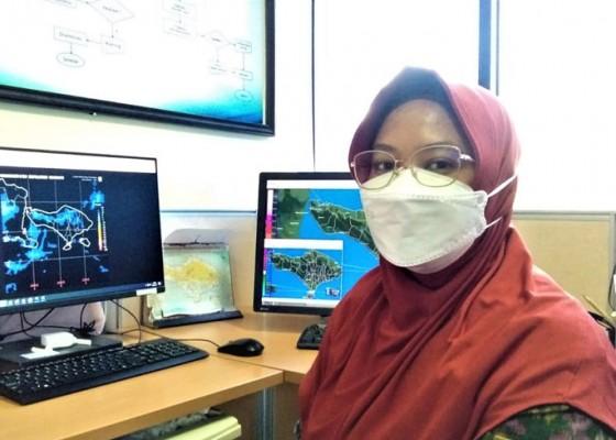 Nusabali.com - bbmkg-waspada-gelombang-laut-selatan-bali-bisa-mencapai-6-meter