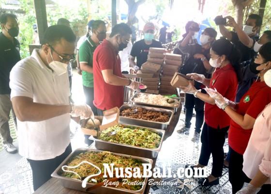 Nusabali.com - denpasar-buka-dapur-umum-gotong-royong
