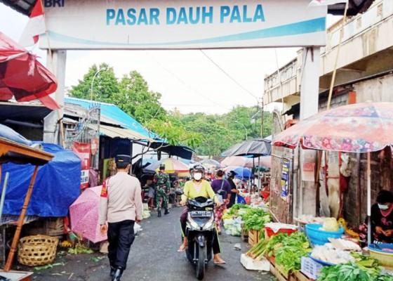 Nusabali.com - tim-gabungan-awasi-aktivitas-pasar-di-tabanan
