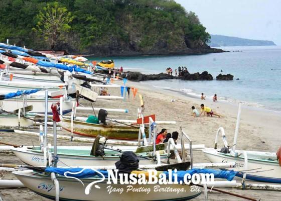 Nusabali.com - gelombang-tinggi-nelayan-batal-melaut