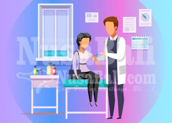 Nusabali.com - nakes-disuntik-vaksin-ketiga