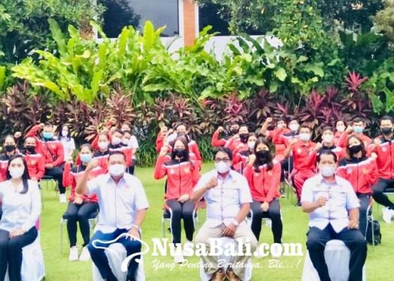 Nusabali.com - bupati-beri-uang-saku-atlet-gianyar-rp-35-juta