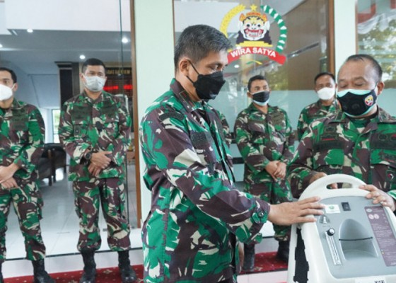 Nusabali.com - korem-163wira-satya-salurkan-oksigen-konsentrator-untuk-bali-nusra
