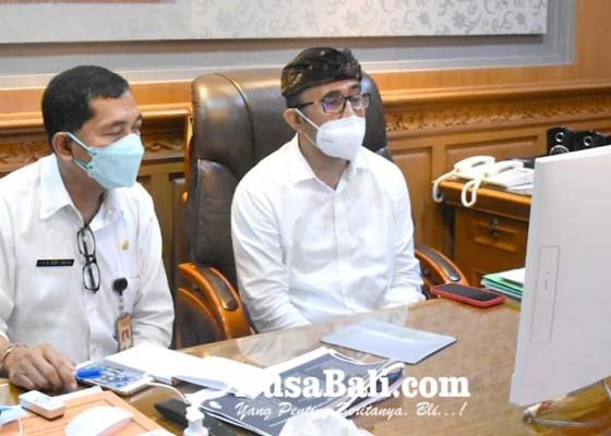 Nusabali.com - walikota-tunda-dulu-uang-seragam
